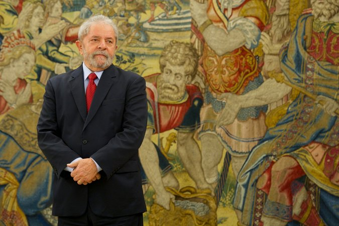 Brazil's Ex-Leader, Luiz Inácio Lula da Silva, Is Held for Questioning