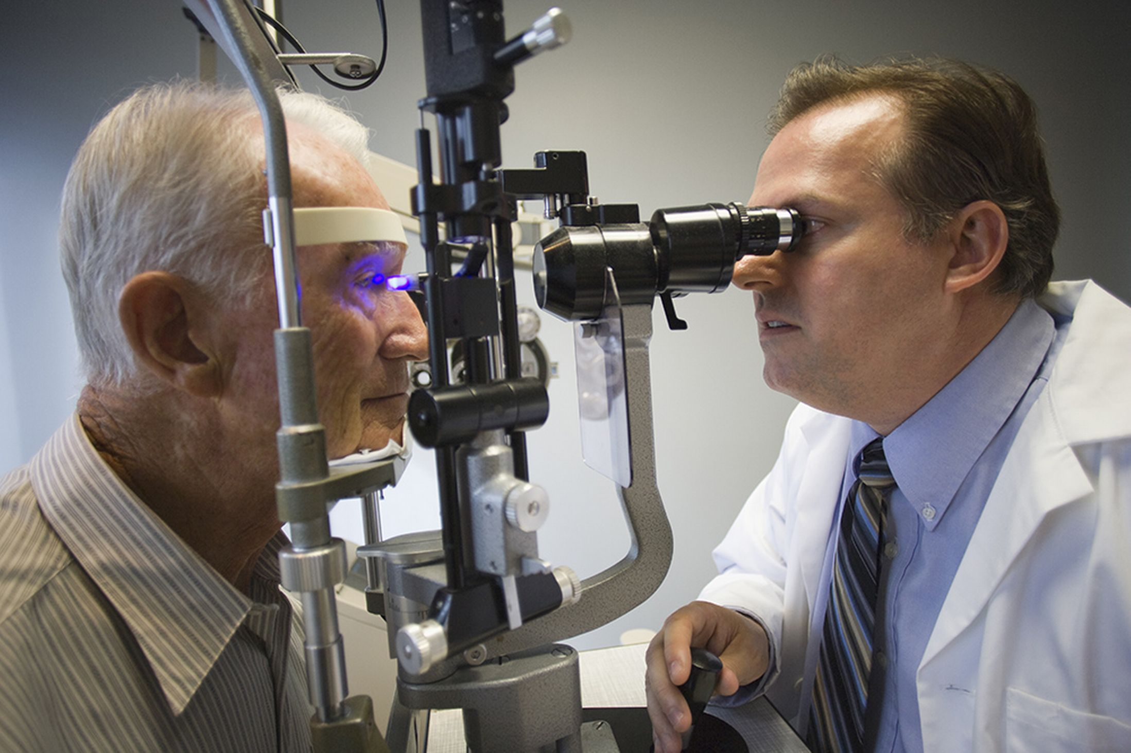 Alzheimer   s may soon be detected with a simple eye exam