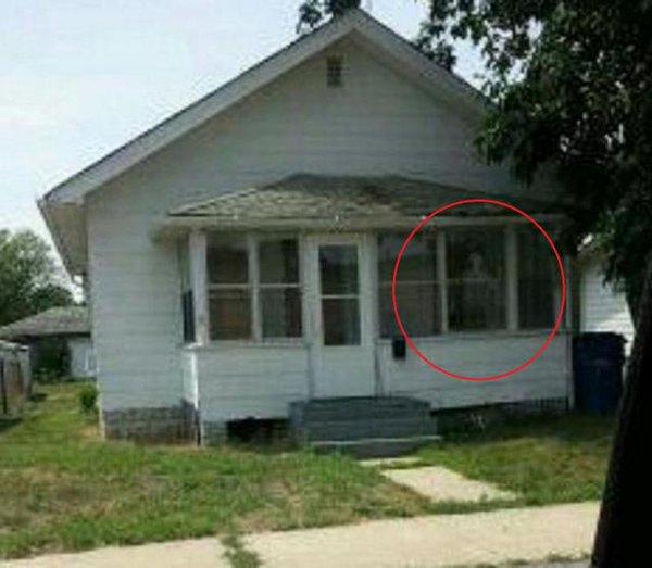 Derrumban en estados unidos una casa quot infestada de demonios