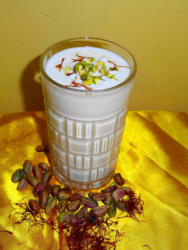 Mix coconut milk, turmeric and black pepper, your body will be forever grateful