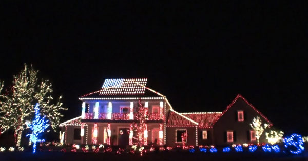 Their Patriotic Christmas Display Pays Tribute To the Troops