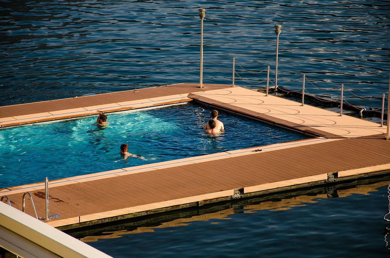 C mo mantener una piscina sin cloro - Cloro en piscinas ...