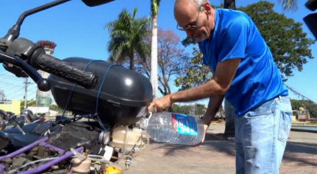 Brazilian man builds clean motorcycle that can travel 300 miles on a liter of water