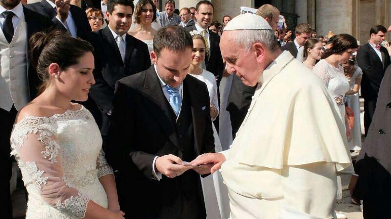 Salmos Del Matrimonio Catolico : Las tres claves del matrimonio según francisco