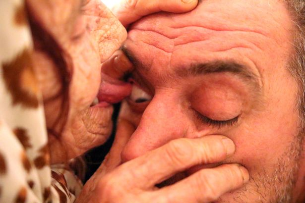 Spiritual healer cures blindness by licking patients 'EYEBALLS'