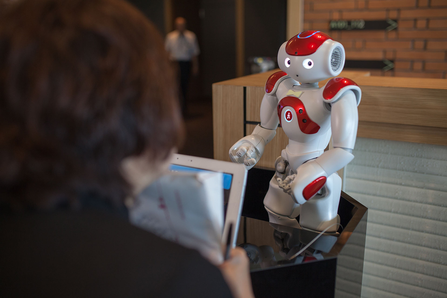 Robots are in charge at Japan's wackiest hotel