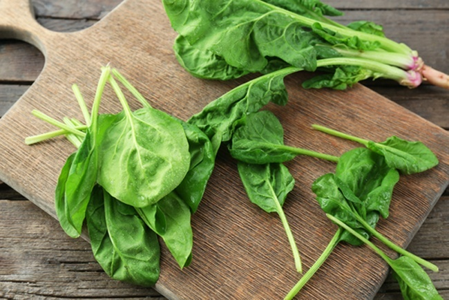 8 Surprising Health Facts About the Superfood Spinach