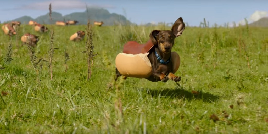 A wiener dog stampede makes this Super Bowl commercial great