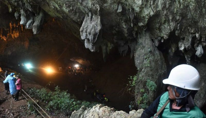 Thai cave rescue: All 12 boys, coach pulled to safety