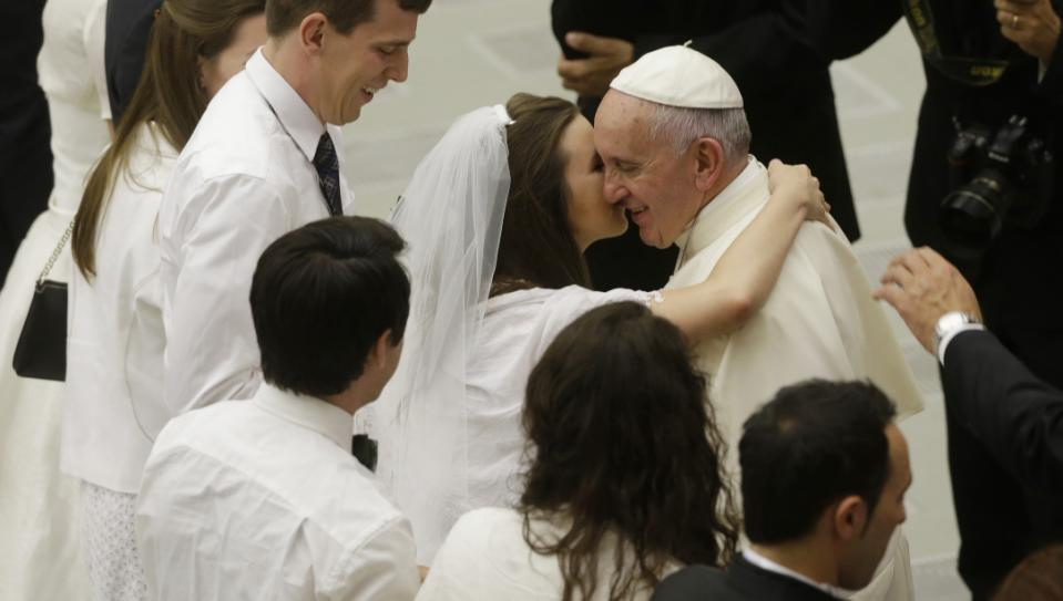 Pope: Keep door open to divorced Catholics who remarry
