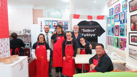 A turkish cafe that only employs workers with down syndrome