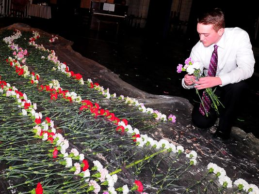 This student bought flowers for all 834 girls at his school for Valentine's Day